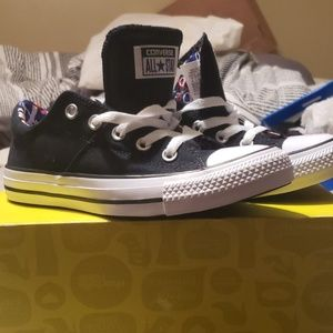 Brand new never worn size 6 converse